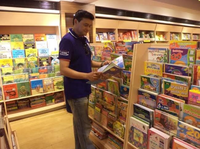 Story creates paradise for young book-lovers