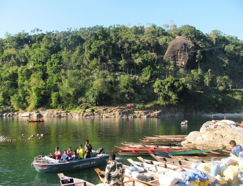 Dawki river along Indo-Bangladesh border in Meghalaya is a magnet for tourists