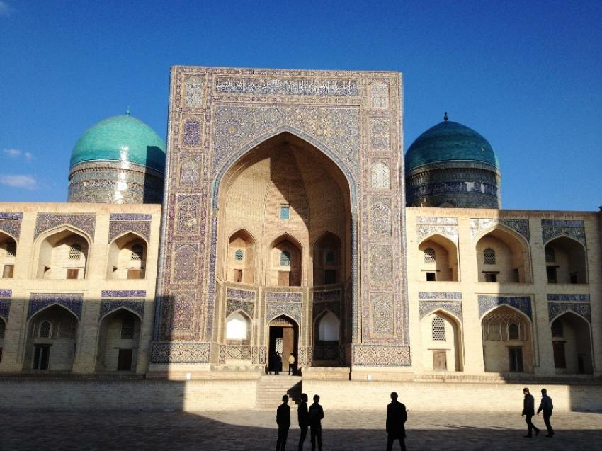 Travel to Uzbekistan on the trail of the Great Silk Road