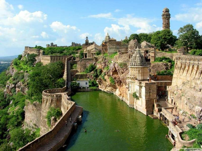 Rajasthan: Citadels of the Bravehearts