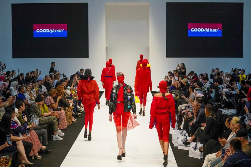 AirAsia Foundation launches travel collection in Kuala Lumpur Fashion Week 2019