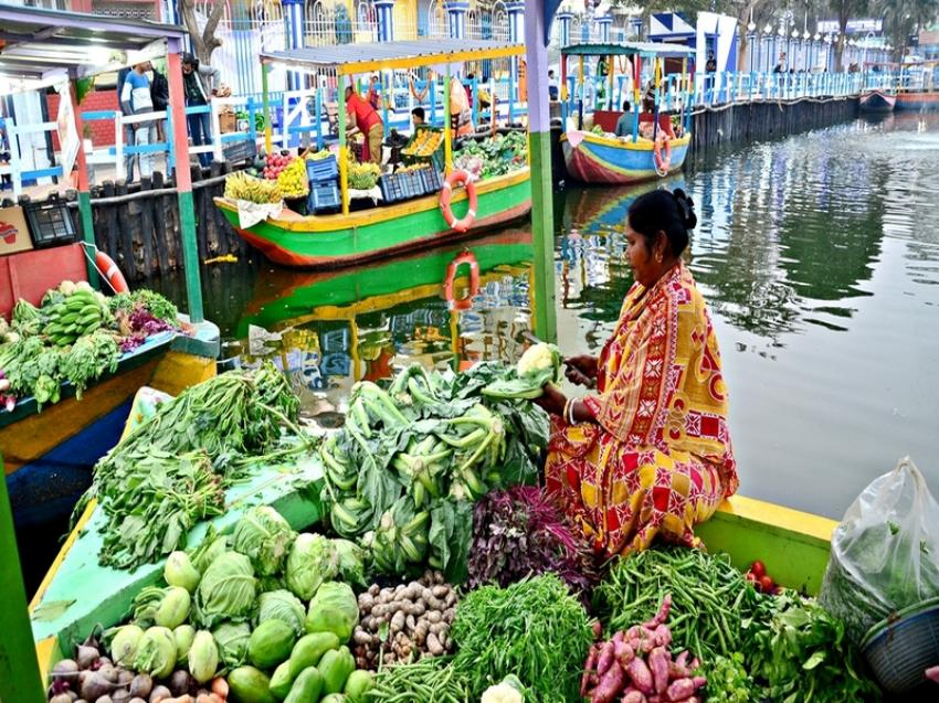 India's first floating market in Kolkata sets sail