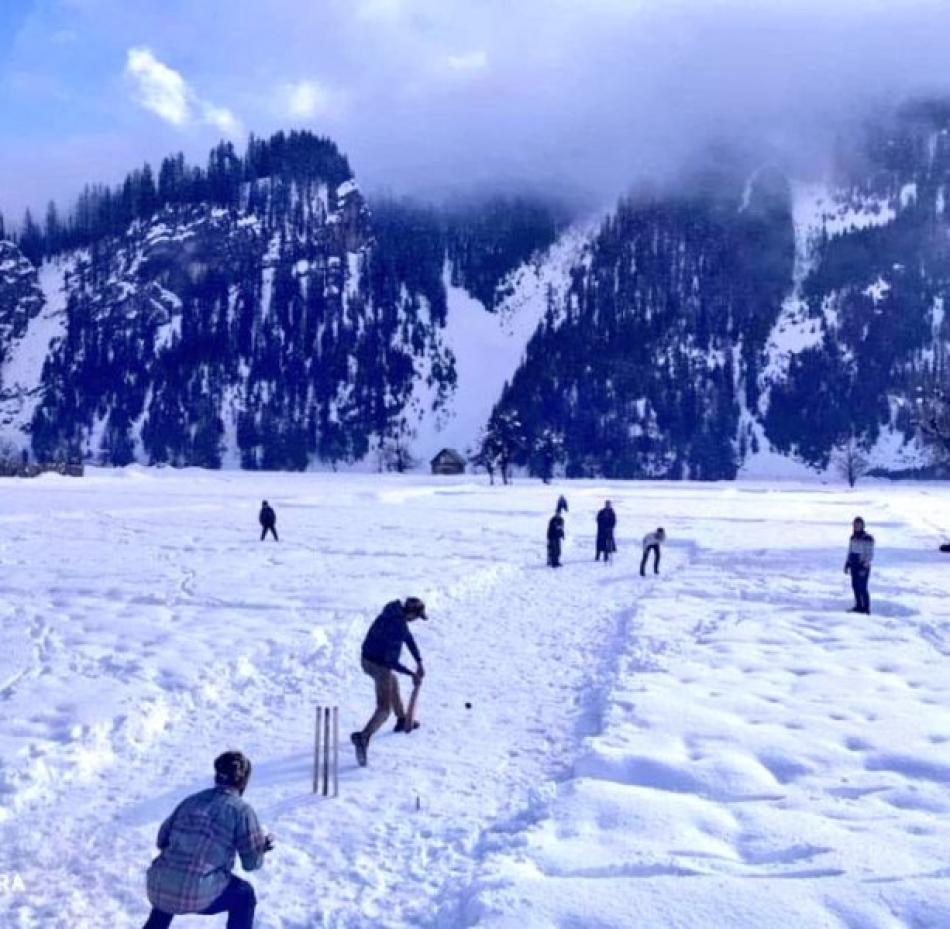 Images of the Day : Kashmiri Youth playing cricket on snow at Gurez Bandipora district of North Kashmir.