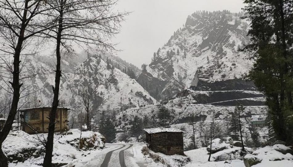 Images of the Day : Snowfall in Jammu and Kashmir