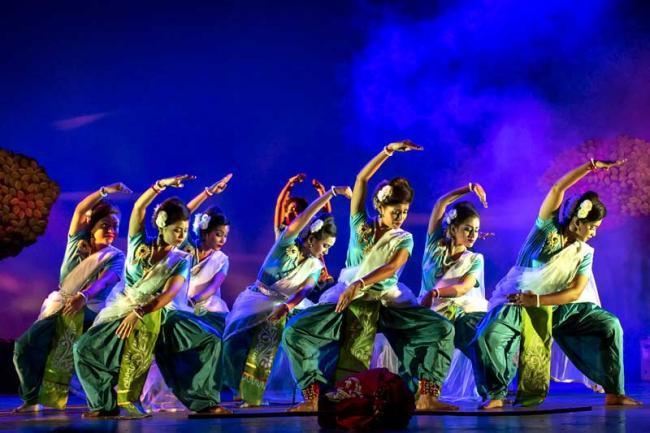 'The SAS Trio' along with Garfa Mitrayan stage Tagore's dance drama 'Kaalmrigaya'