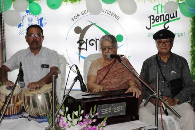 Senior citizens of Kolkata celebrate 11th anniversary of elderly support initiative Pronam