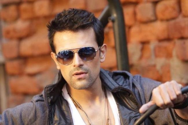 Abhishek Singh is the new hunk on the block in Tollywood