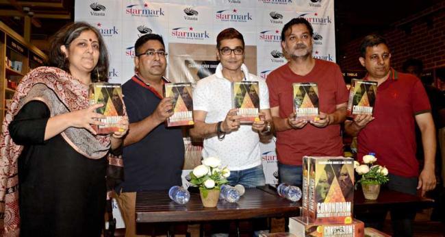 Prosenjit Chatterjee, Srijit Mukherji launch Conundrum: Subhas Bose's life after death