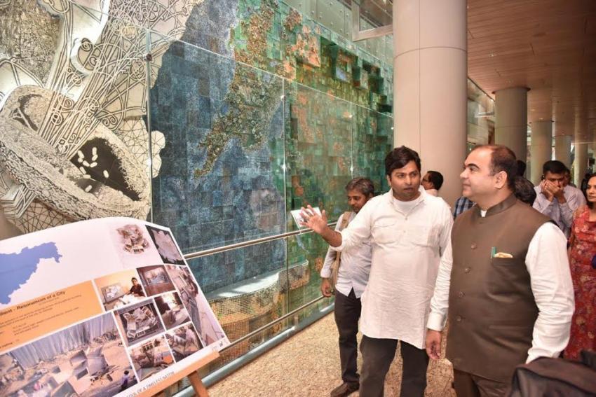 Maharashtra's Minister of Tourism inaugurates Jaya He 'Museum Safari' at Mumbai's Terminal 2