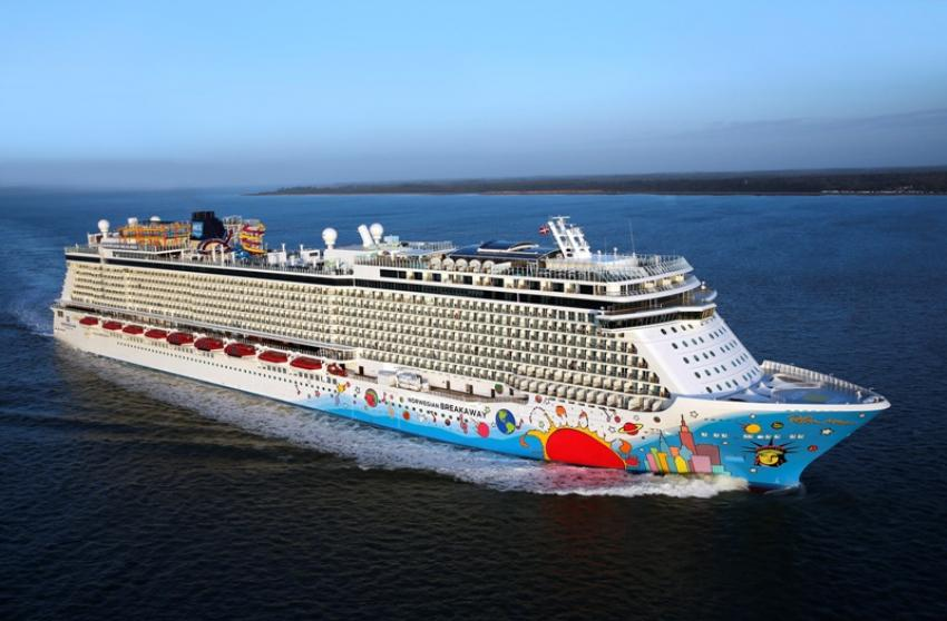 Norwegian cruise line enhances award-winning entertainment programme with SIX: The Musical