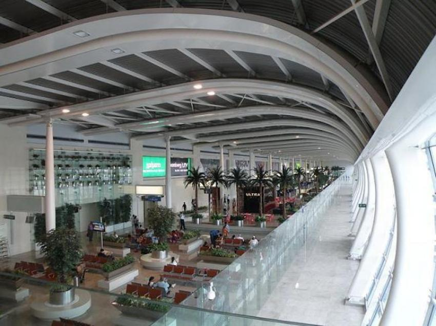 Travel aggregator's alternative for fliers hit by Mumbai, Bangalore airport disruptions