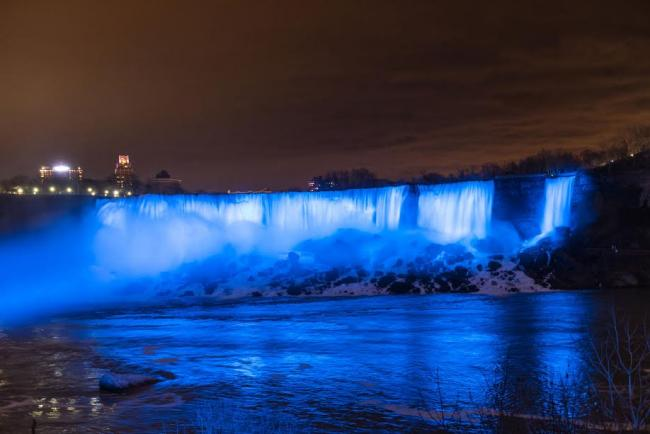 Niagara Falls unveils new LED-illumination