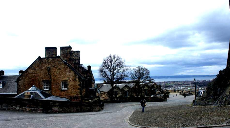 Edinburgh Castle: A Scottish Icon in Images