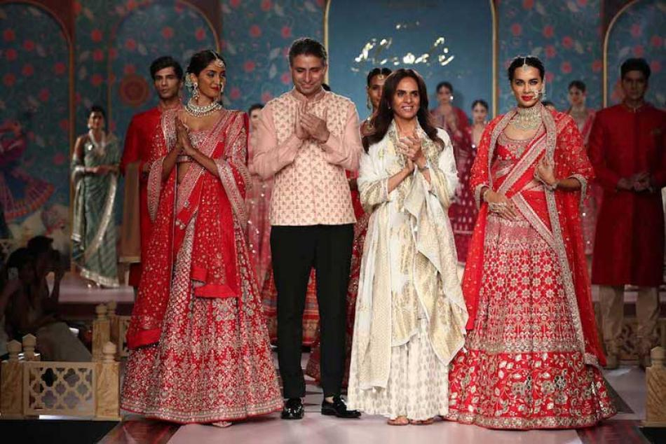Anita Dongre's Shaadi by Marriott show sweeps Kolk ...