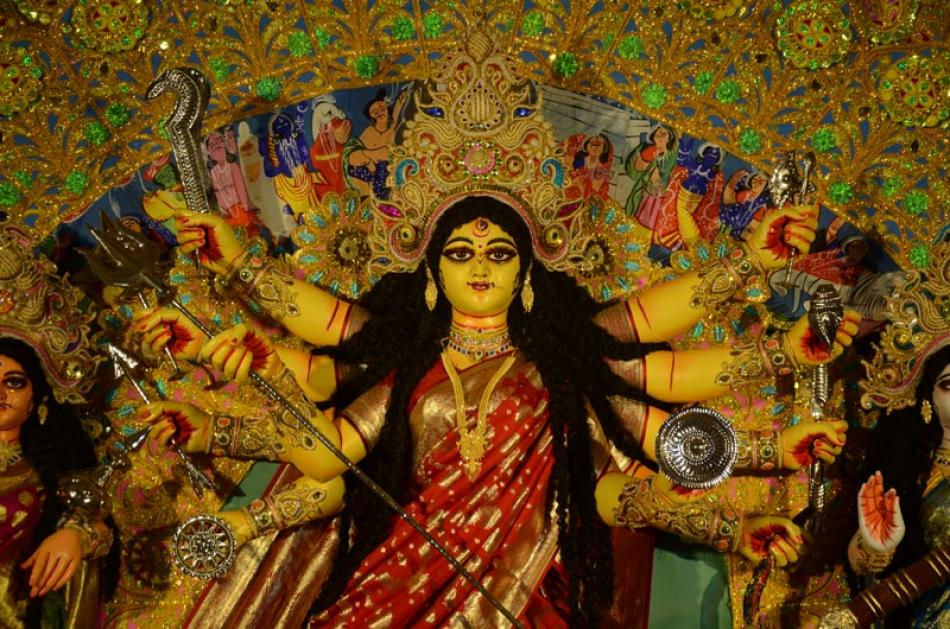 Kolkata celebrates Durga Puja: Glimpses of the Bes ...